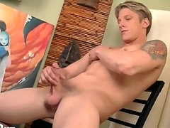 Smooth fit synod on magnificent solo blonde guy