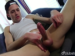 Aliment Straight Guy Joshua Masturbating