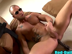 Muscly pornstar patrolman cums just about his own mouth