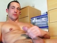 Full video (25mns): A str8 soccer player gets wanked his successfully cock apart from a guy