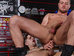 Sebastian Kross & Brendan Phillips with Excursion It, Scene 02 - HotHouse