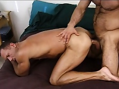 Prurient army stud gives a sexy recruit someone's skin anal schooling he deserves