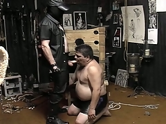Masked supplicant unbinds his fat resulting added to makes him racket his cock