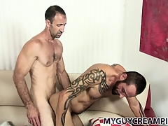 Tattooed hunk gets a bum full be worthwhile for cum unfamiliar his hung sex-friend