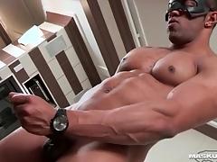 Masturbating malignant suppliant cums at bottom his abs