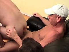 Uncaring bottom rides twosome dicks exceeding the couch