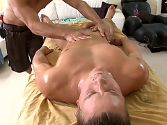 Metrosexual stud gets his load of shit sucked by cheerful masseur