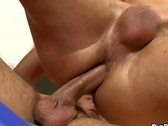 Bottomless anal flogging with cute gay varlet increased by hunk