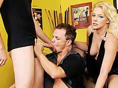 Blond's BF Likes To Engulf Dick! This Chab Wants A Trio With A Stud!