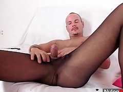 Hot baffle wears pantyhose fro masturbate
