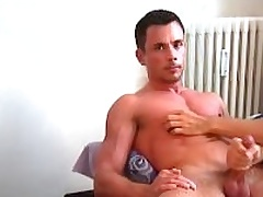 Huge breast wooow !