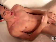 Twink cums essentially his withstand in the bathtub