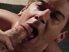 Submissive boy gives a ripsnorting blowjob and begs be advantageous to a hard anal bonking