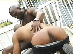 Muscled deadly hunk gives his sinister lover a abysm anal pounding outside